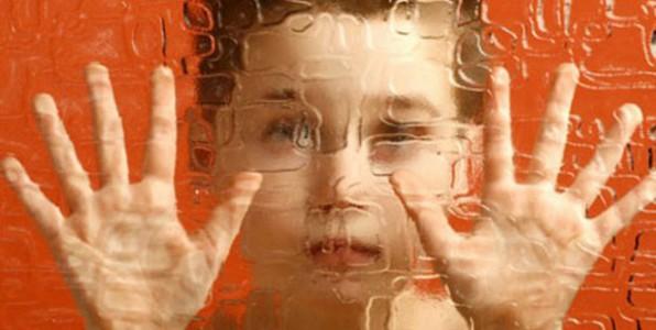 L'origine de l'autisme chez l'enfant ? 50 % héréditaire, 50 % environnemental
