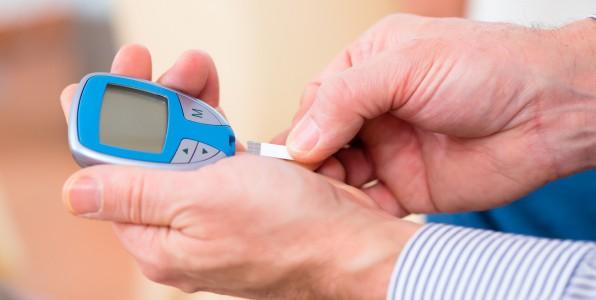 diabète ; temps de travail ; socio-économique ; statut social ; santé