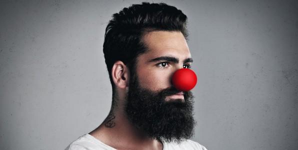 Un homme avec un nez de clown  -  Fotolia  © kantver