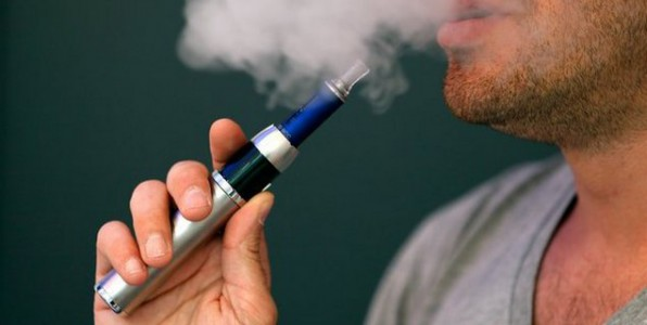 La cigarette électronique : une véritable aide pour certains fumeurs désirant arrêter.