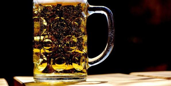 Consommer régulièrement de l'alcool serait un facteur d'obésité.
