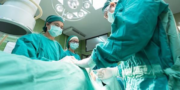 Première greffe d'utérus en France