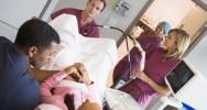 PMA FIV médecine reproductive procréation médicalement assistée tourisme procréatif retard don d'ovocyte don de sperme couples homosexuels célibataire